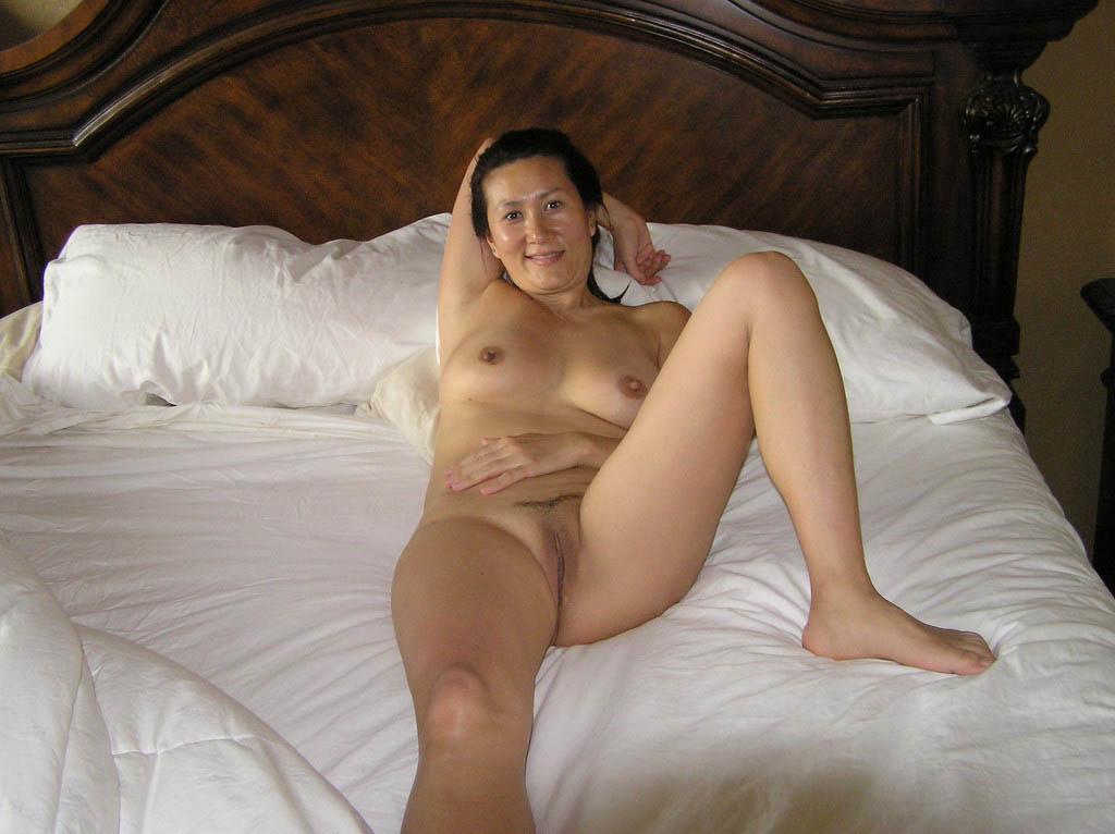 Фото Голые Зрелые Женщины В Постели