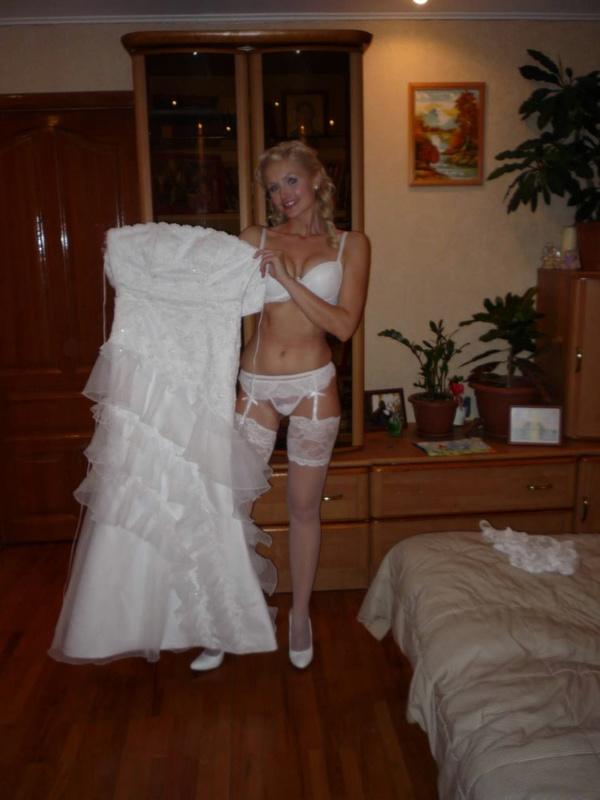 Одна дома ню фотосессия первой брачной ночи женская
