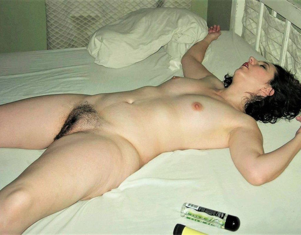фото пьяных голых девок спящих что мужчина проявляет