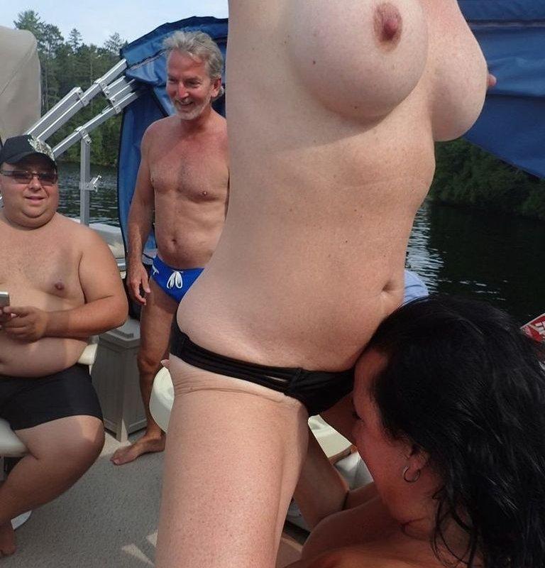 Nutte Mopse Outdoor Gangbang